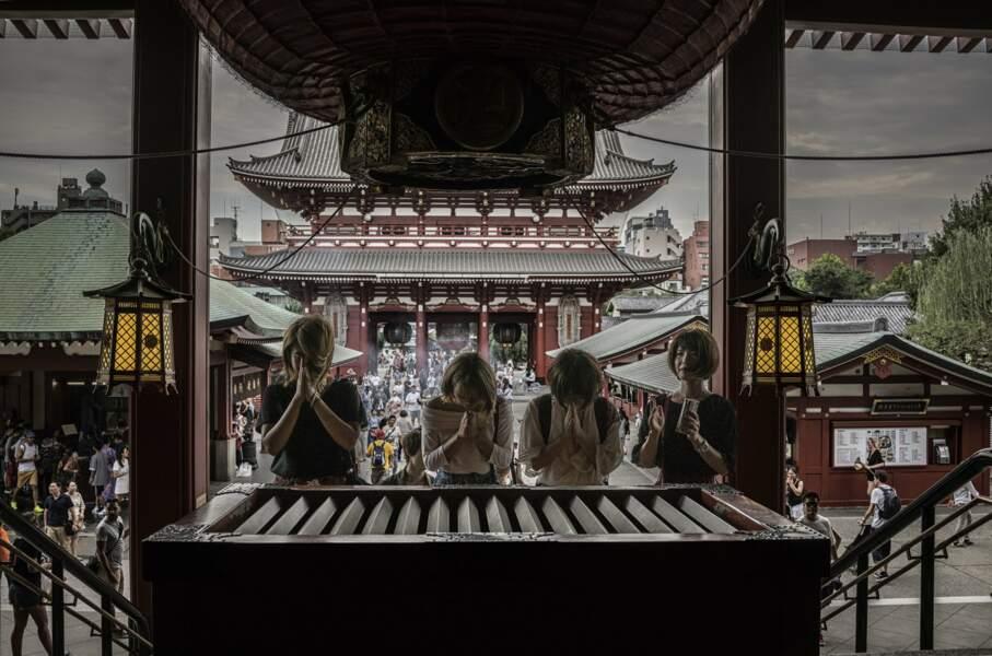 Prières et tourisme à Asakusa