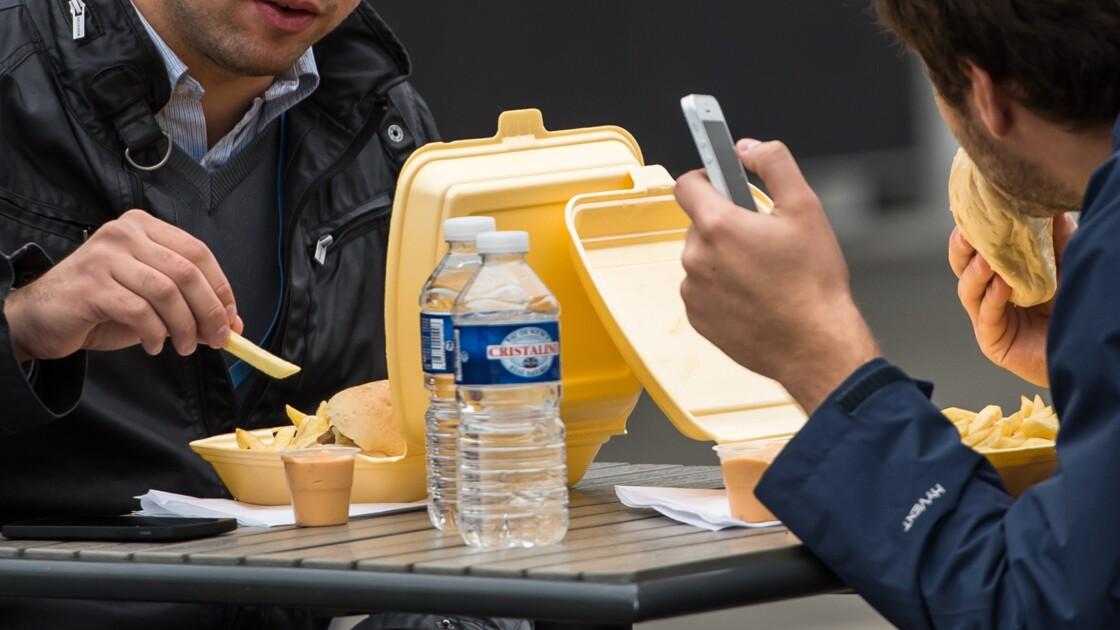 Fast-food: les députés ne veulent plus de plastique pour les repas servis sur place