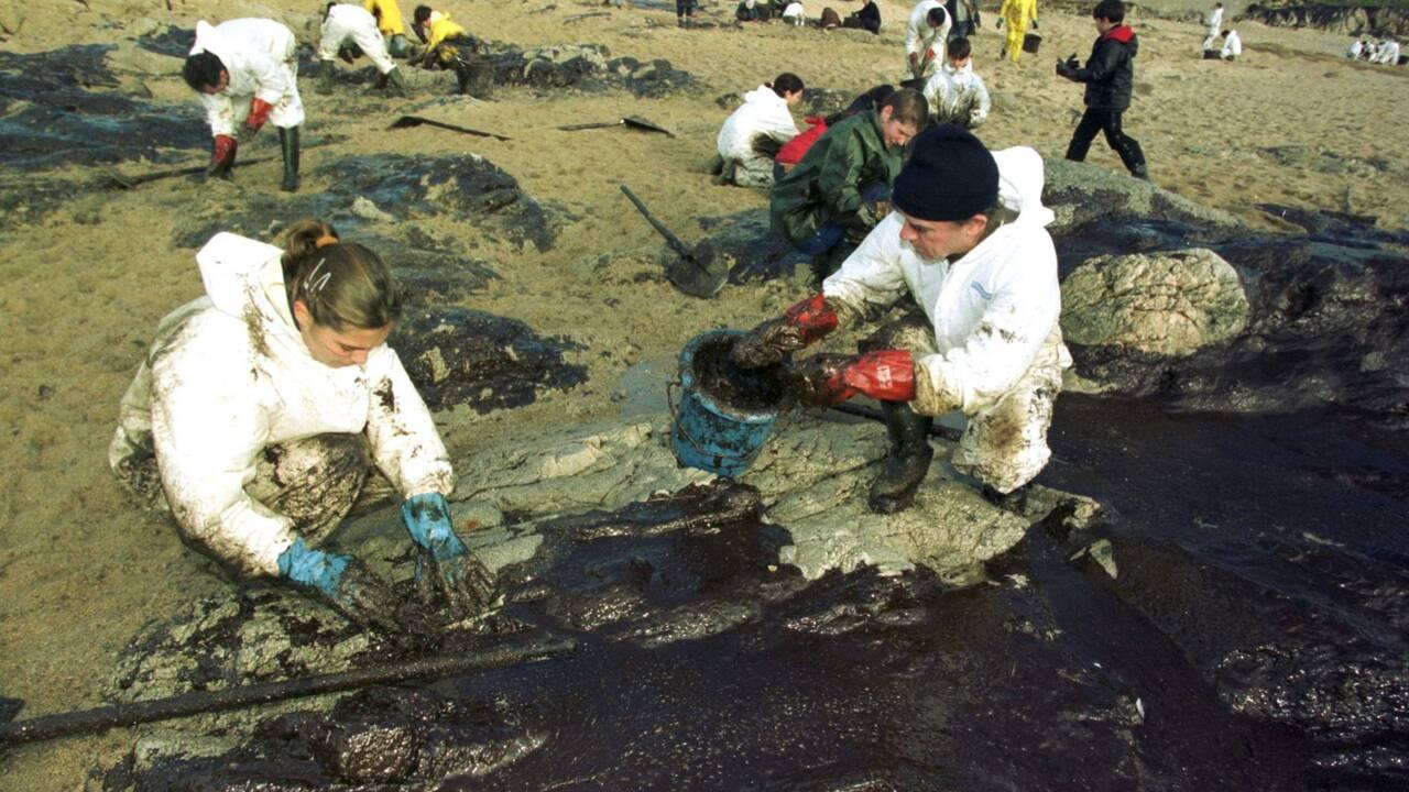 Il y a 20 ans l'Erika sombrait au large du Finistère