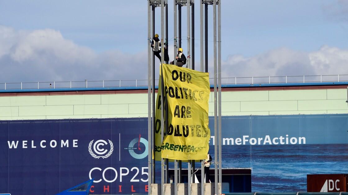 """""""L'océan arrive, nous aussi"""", préviennent les militants au terme de la COP25"""