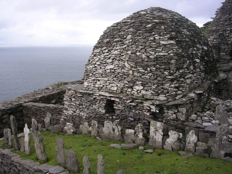 Skellig Michael, en Irlande : l'île du Temple de la planète Ahch-To où se cache Luke Skywalker (épisodes VII et VIII)