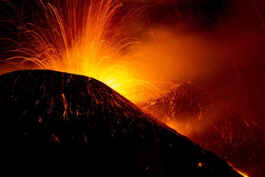 L'Etna en éruption, Sicile, Italie : planète Mustafar (épisode III)