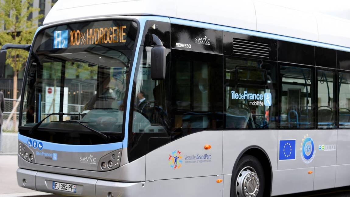 """Fébus, un bus à hydrogène """"zéro émission"""" mis en service à Pau"""