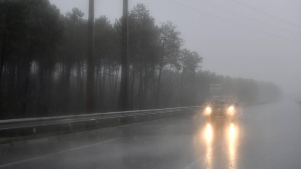 Alerte aux vents violents des Pyrénées au Centre-Est, risque d'inondations dans le Sud-Est