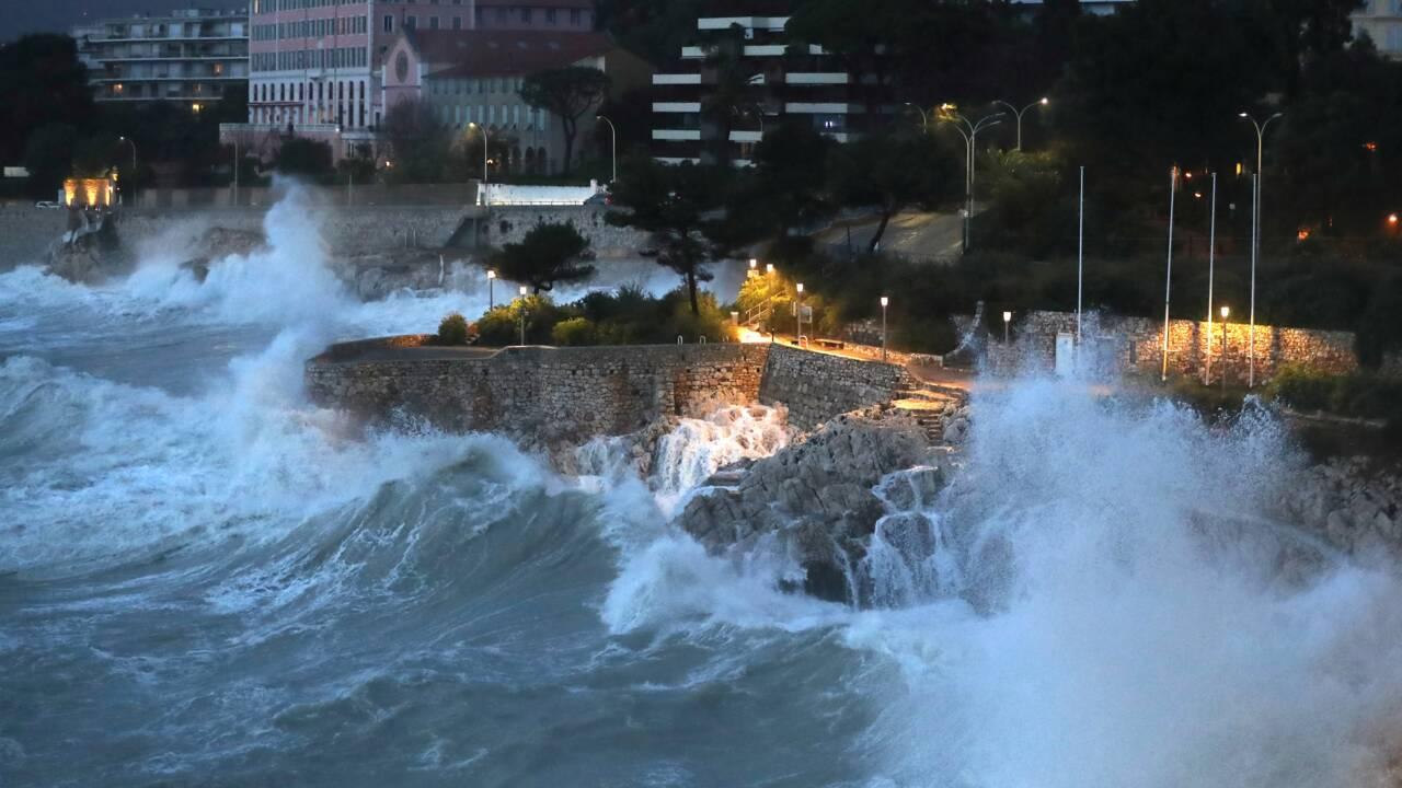 Intempéries: vents violents sur la moitié sud de la France, risque de crues en Corse