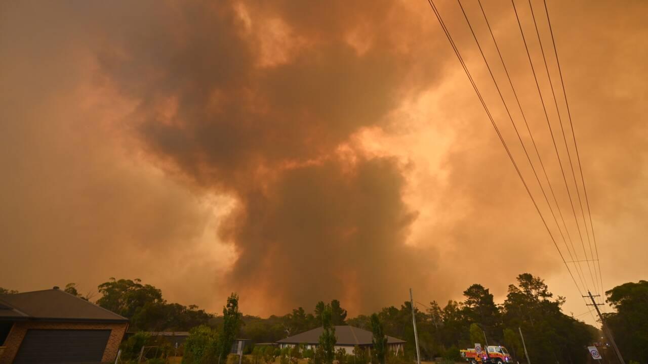 """Australie: des conditions """"catastrophiques"""", les incendies empirent"""