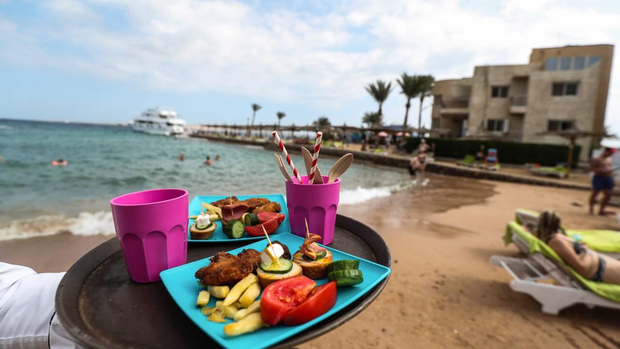 Egypte: haro sur le plastique dans une cité balnéaire de la mer Rouge