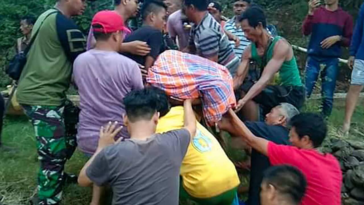 Une femme tuée par un crocodile, une autre portée disparue en Indonésie