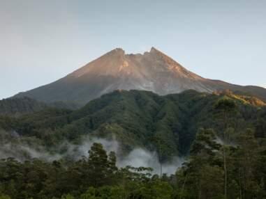 A Java, la vie sous la menace du Merapi, l'un des volcans les plus dangereux au monde