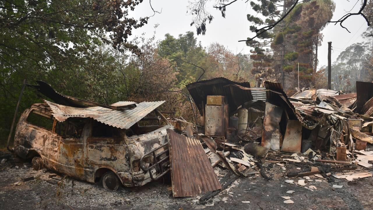 Australie: les incendies approchent Melbourne, un pompier décédé