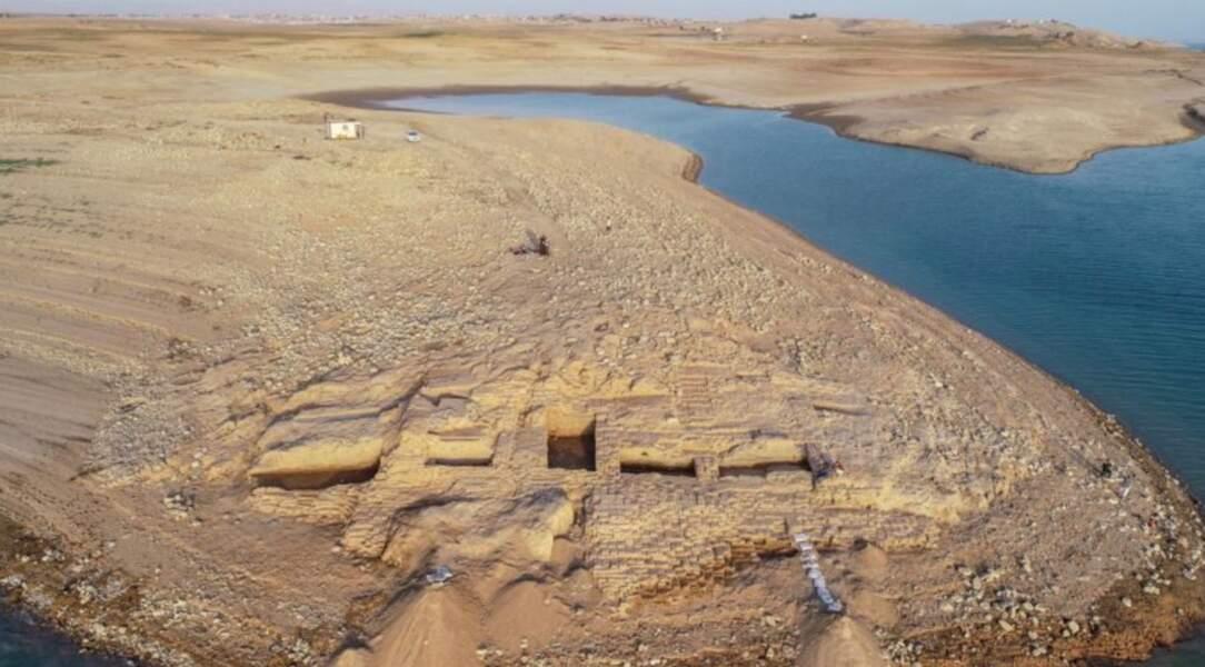Archéologie : en Irak, un palais de plus de 3000 ans émerge d'un lac asseché