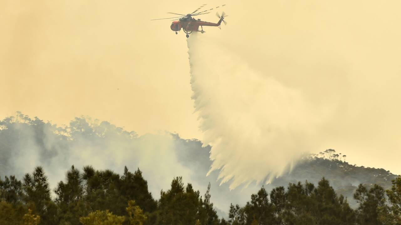 Incendies en Australie: des villes entières évacuées avant un nouveau pic de chaleur
