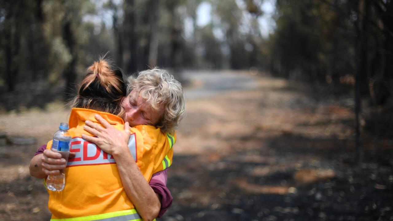 Les fermiers australiens touchés par les feux jurent de renaître de leurs cendres