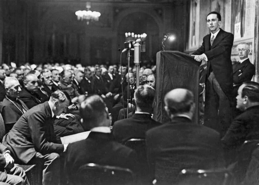 Joseph Goebbels, expert ès lavage de cerveaux (1897 - 1945)