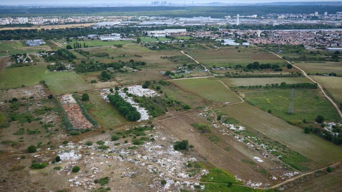 """""""Mer de déchets"""" dans les Yvelines: le déblaiement va débuter"""
