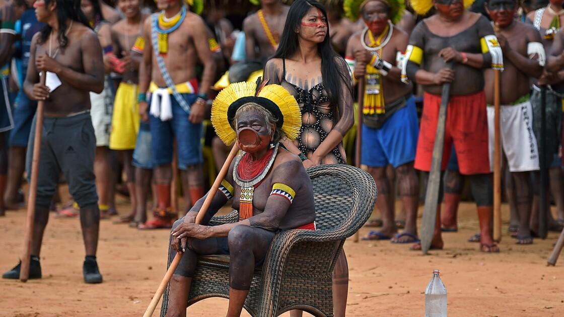 """Brésil: les leaders amazoniens dénoncent un """"projet de génocide"""" de la part du gouvernement"""