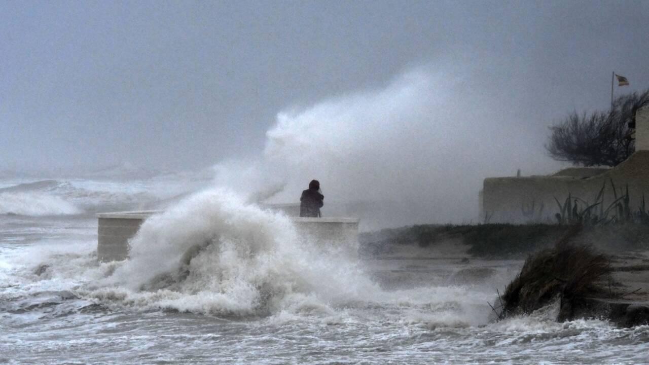 """La tempête """"Gloria"""" continue de frapper l'Espagne et arrive en France"""