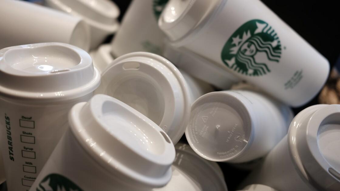 Starbucks veut réduire sa consommation d'eau et sa production de déchets