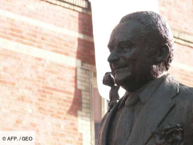 Goscinny, le père d'Astérix, honoré d'une statue à Paris