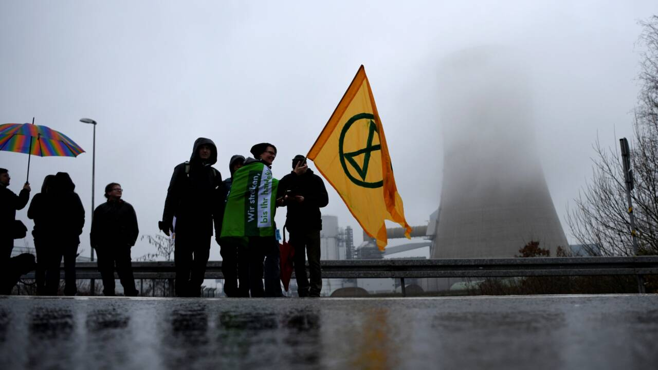 Allemagne: occupation d'une centrale à charbon controversée