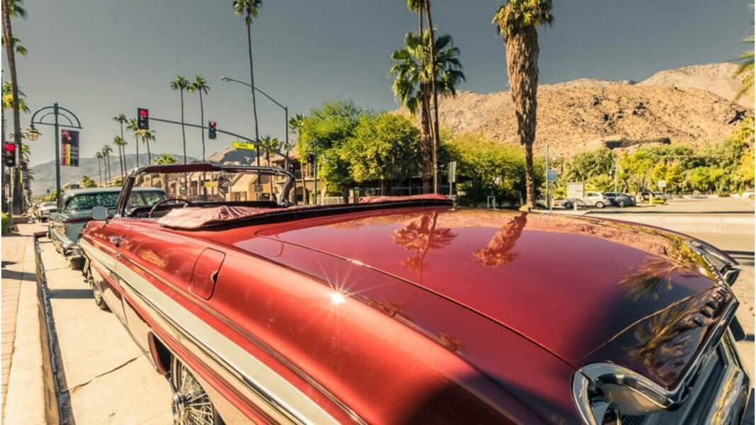 Palm Springs, ville située dans le désert de Sonora au sud de la Californie