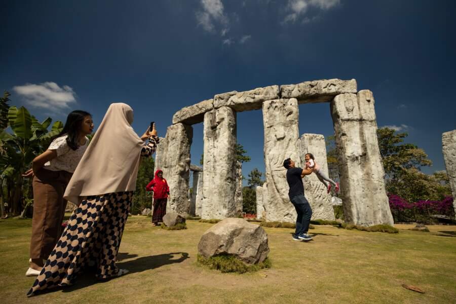 Stonehenge près du Merapi