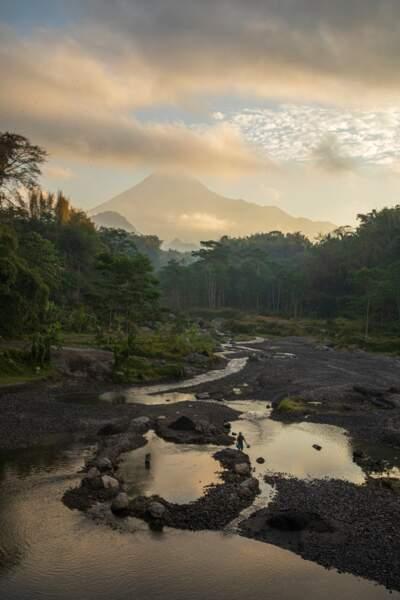 A Java, la vie sous la menace du Merapi