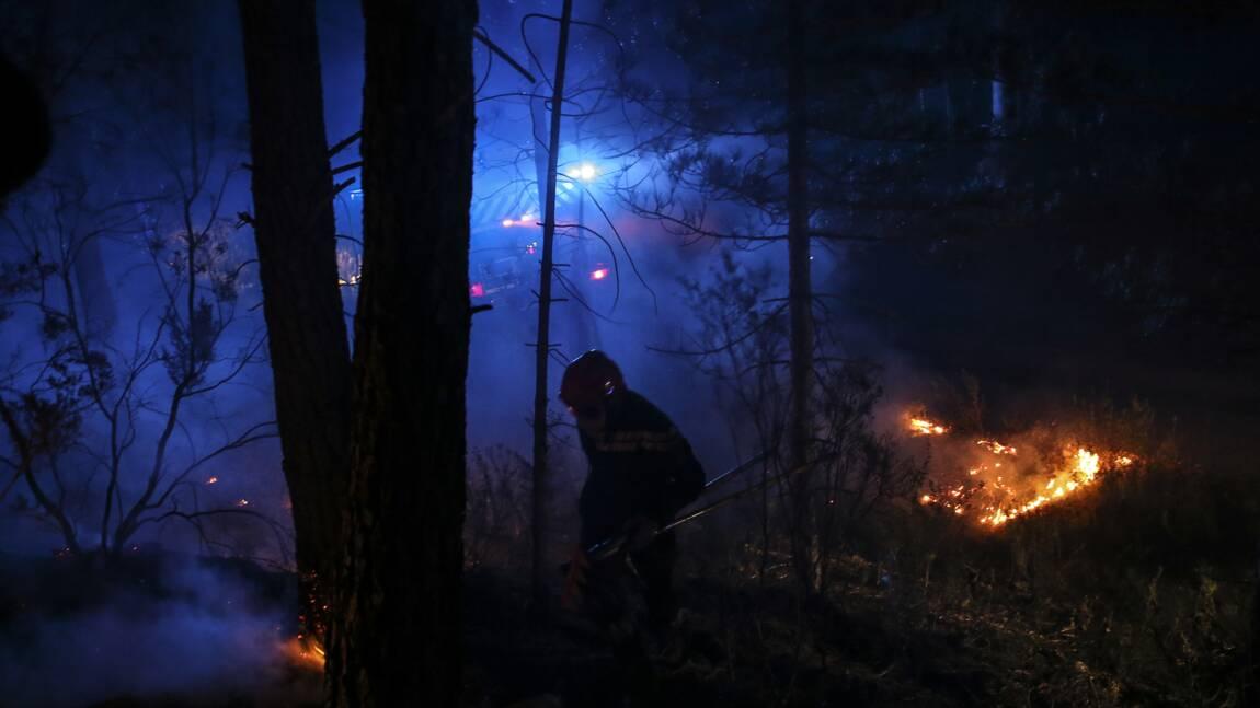 En Corse, le vent offre un répit contre les incendies, les bombardiers d'eau à l'oeuvre