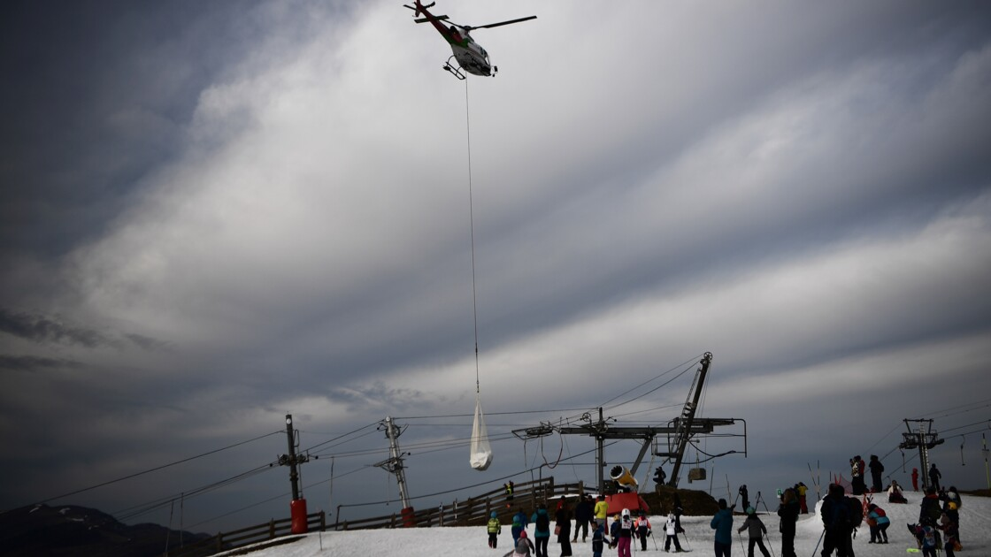 Neige par hélico: Borne veut aider les stations de ski à s'adapter au réchauffement