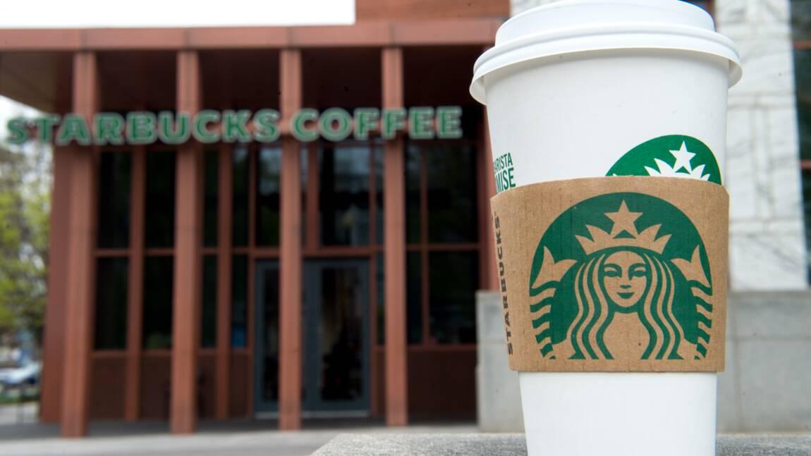 Starbucks bannit les tasses réutilisables face au coronavirus
