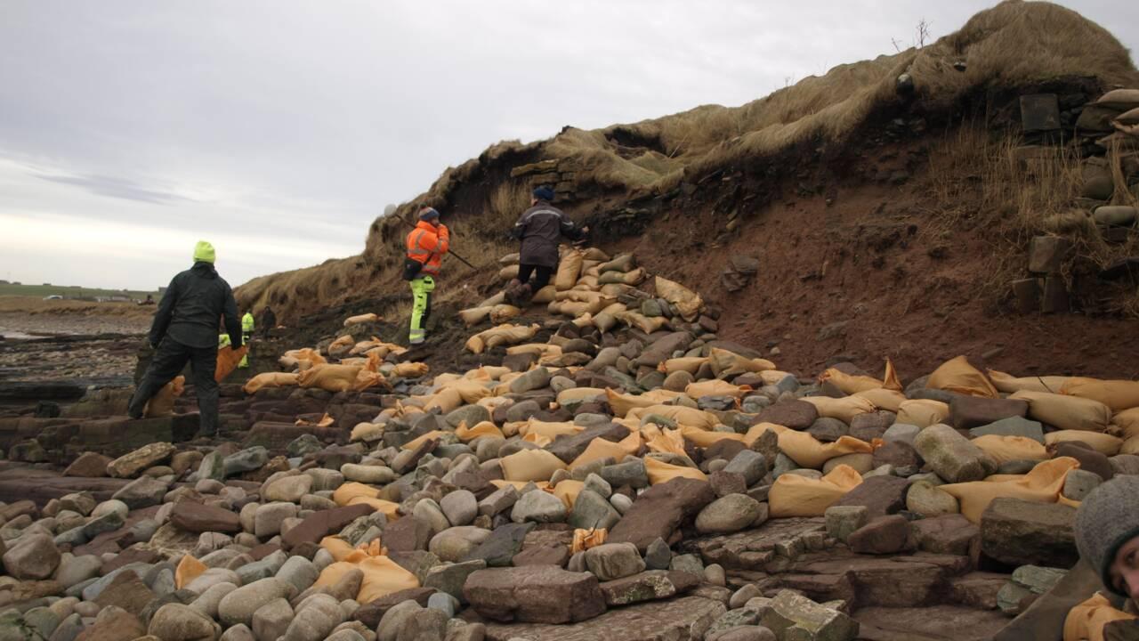 Les tempêtes ont exhumé des ossements humains d'un ancien cimetière des Orcades