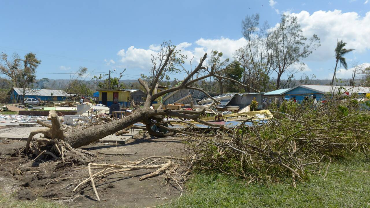 Le cyclone Harold se renforce en se dirigeant vers Vanuatu dans le Pacifique sud