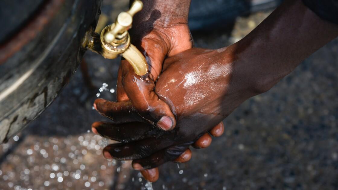 Sécheresse et réseau défectueux: en pleine épidémie, la Martinique manque d'eau