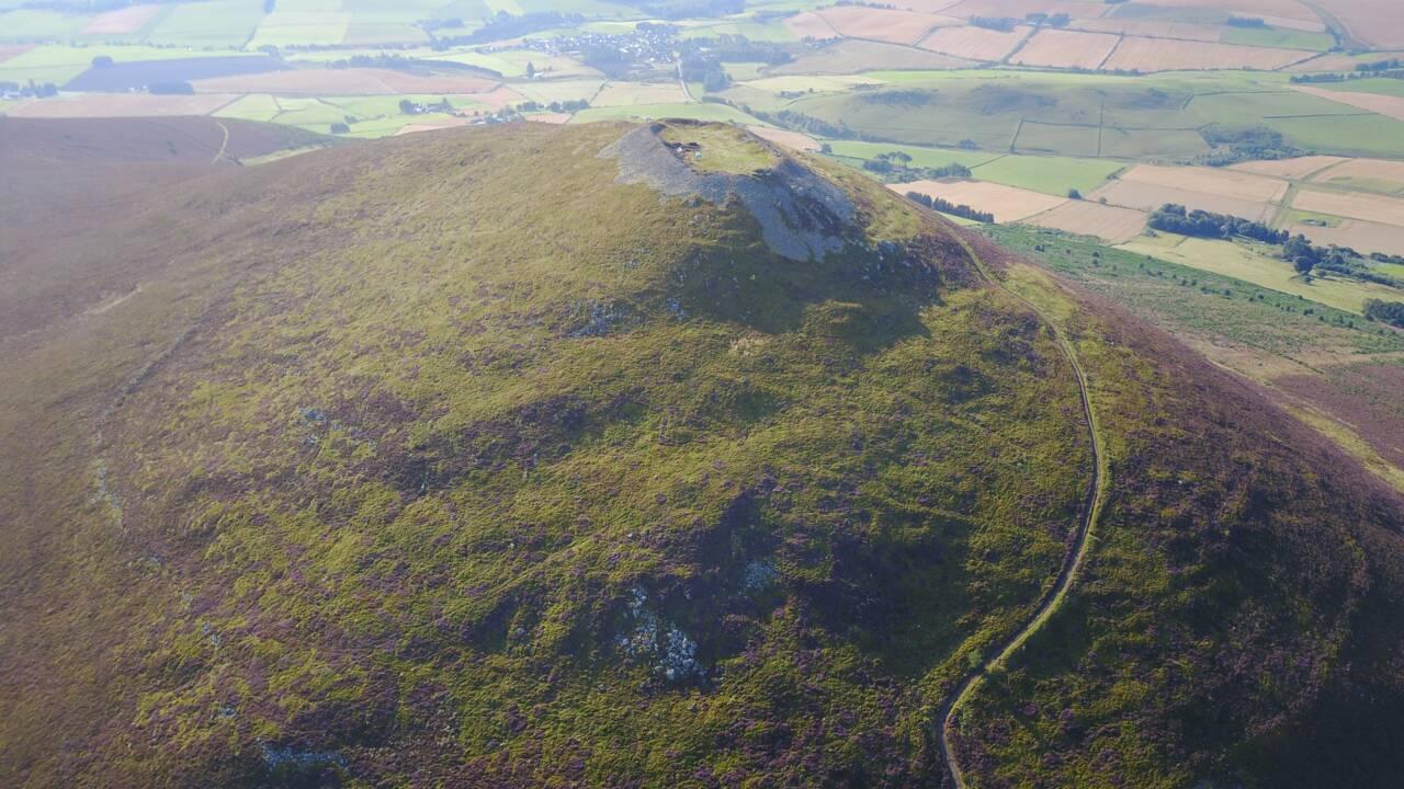 Cette enceinte fortifiée dans l'Aberdeenshire abritait l'une des plus grandes colonies pictes jamais découvertes en Ecosse