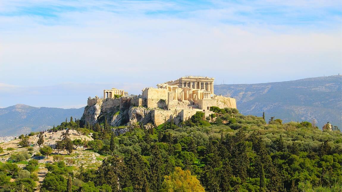 Grèce : l'Acropole d'Athènes rouvre après deux mois de confinement