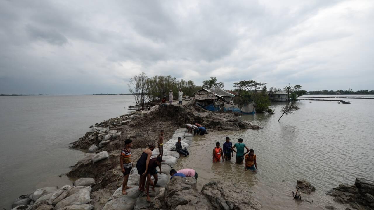 """""""Tout est perdu"""": après le passage du cyclone Amphan"""