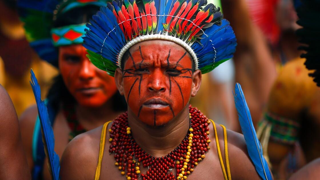 """Le monde d'après: Salgado craint un """"génocide"""" des peuples d'Amazonie"""