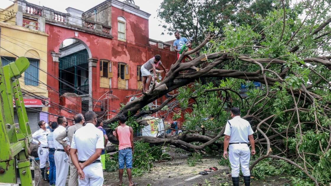 Le bilan du cyclone Amphan passe les 100 morts