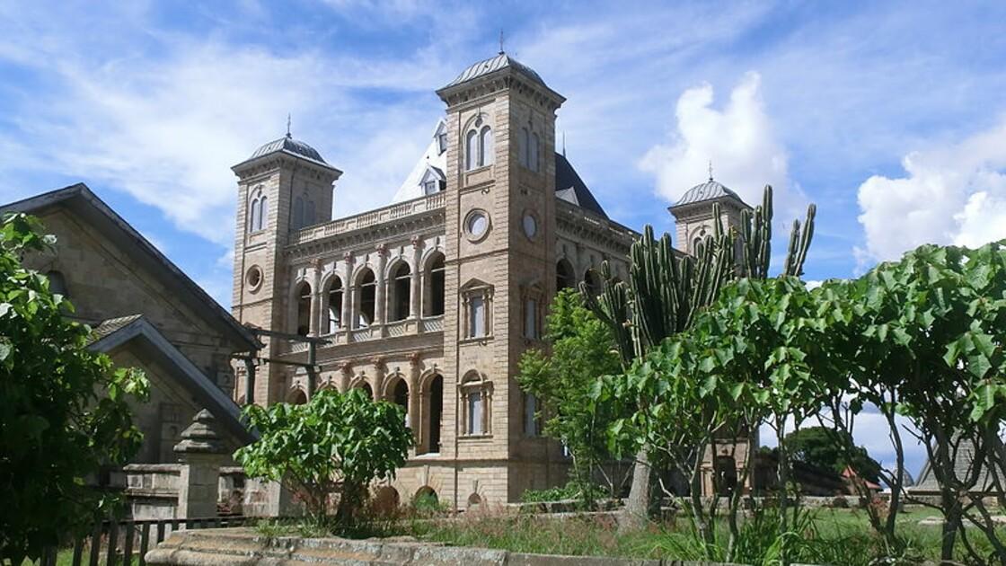 """A Madagascar, controverse autour de la construction d'un """"Colisée"""" dans la capitale"""
