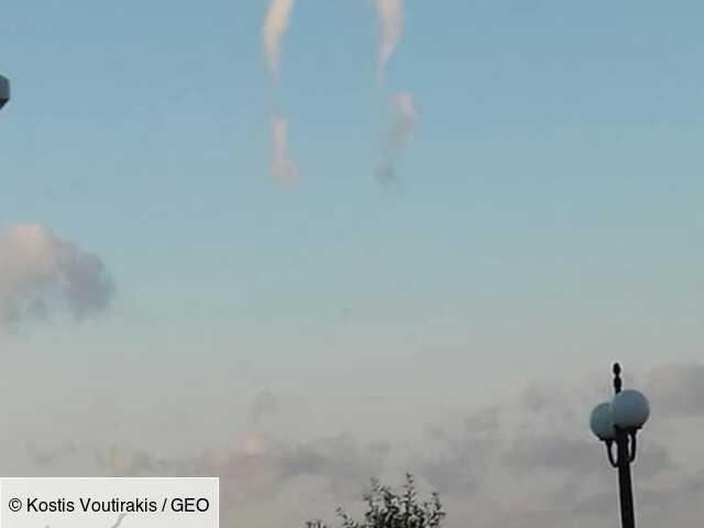 """Un rare """"nuage en fer à cheval"""" photographié en Grèce"""