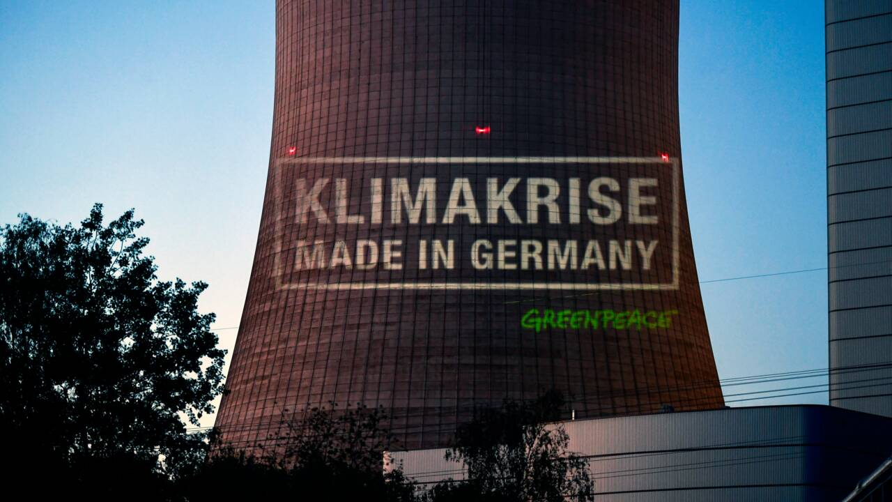 Allemagne: Protestation lors de la mise en service d'une centrale à charbon