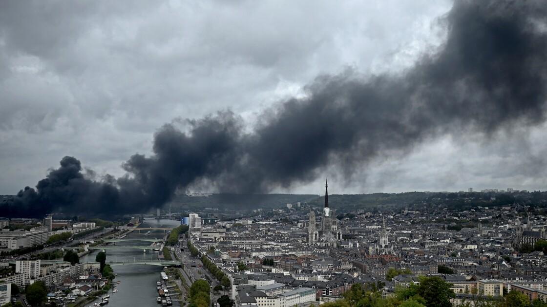 Après l'incendie de Lubrizol, l'Etat montré du doigt par le Sénat