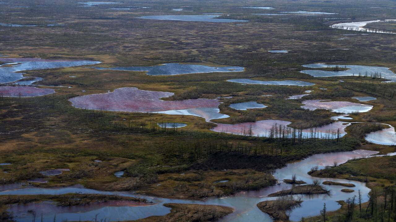 Arctique russe: les barrages flottants n'ont pas arrêté la pollution