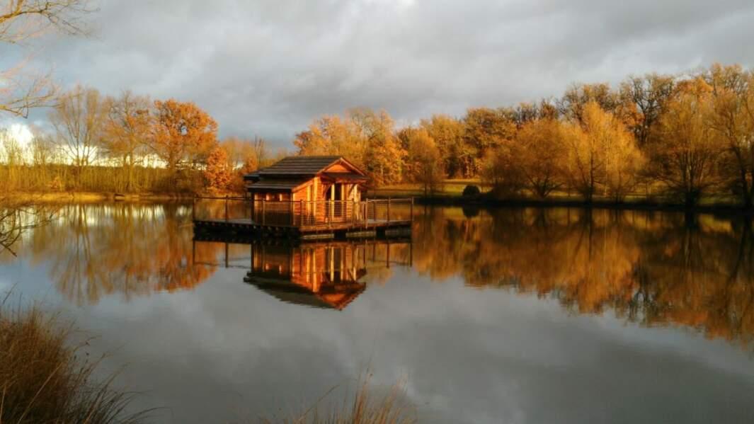 Loger dans une cabane flottante