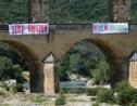 """Blocages et manifestations contre la relance des activités """"toxiques"""""""