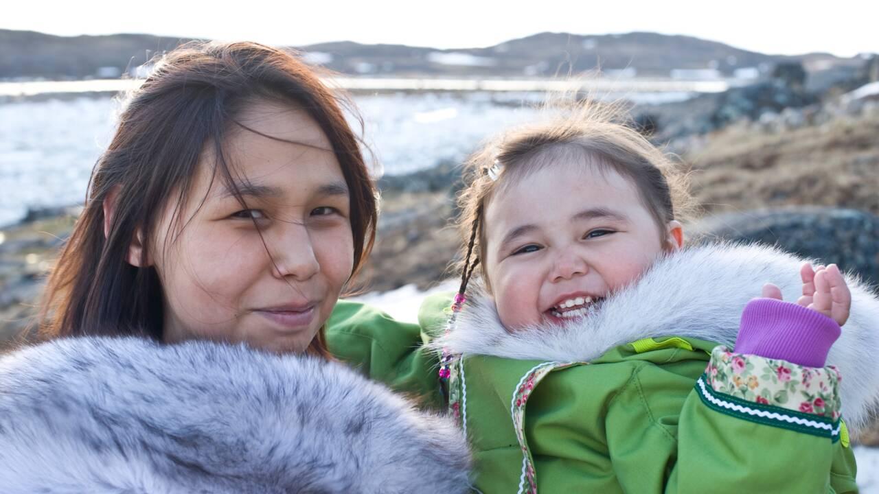 Standardiser l'écriture inuktut, meilleur moyen de sauver la langue des Inuits ?