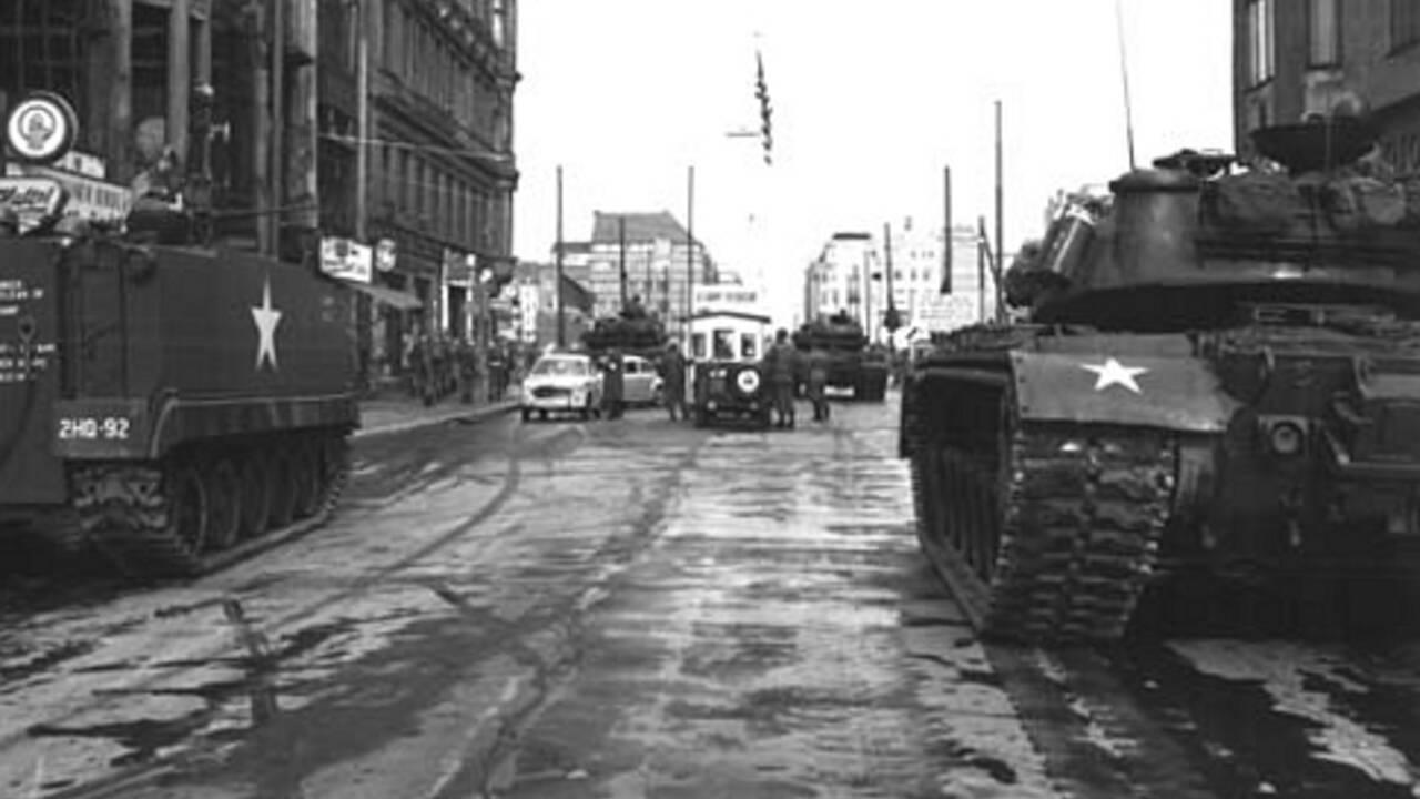 Berlin : cinq choses à savoir sur Checkpoint Charlie trente ans après