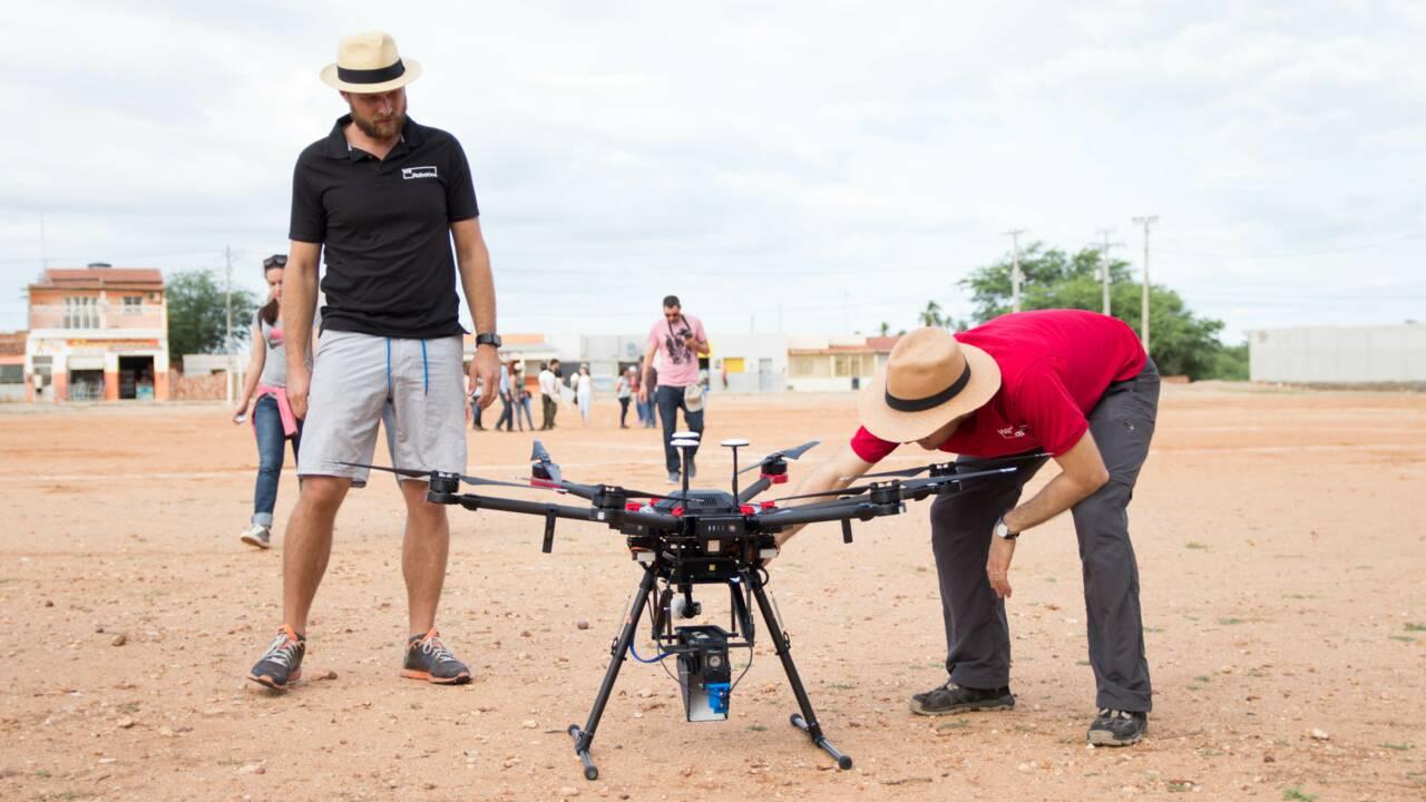 Lâcher des moustiques stériles par drone, nouvel espoir pour lutter contre les épidémies ?