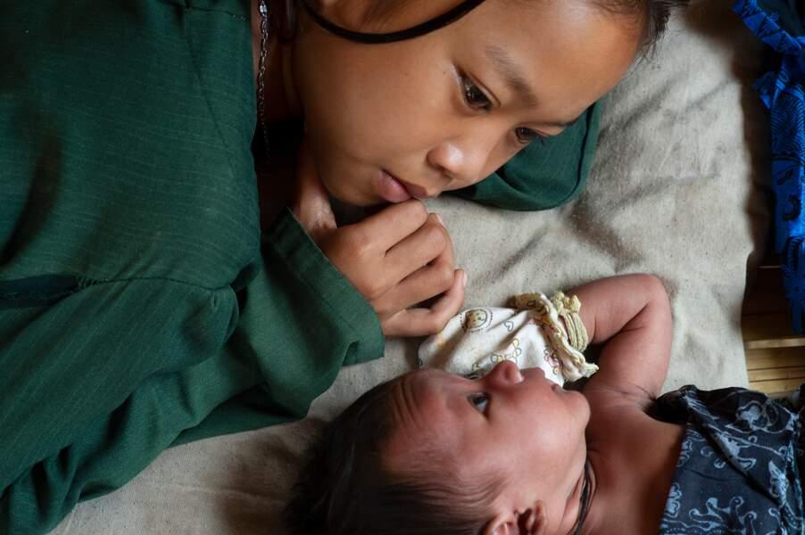 La petite Jambou avec sa sœur