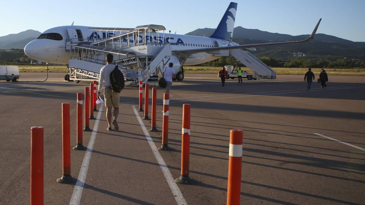 """Environnement: des députés proposent un """"quota carbone individuel"""" pour limiter l'usage de l'avion"""